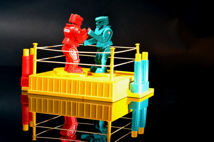 Boxing robots in a ring