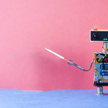 An intelligent robot teaches the viewer, symbolising machine learning