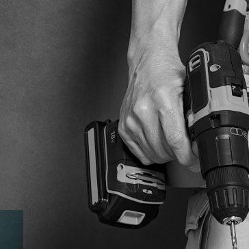 tradesman with tool bag